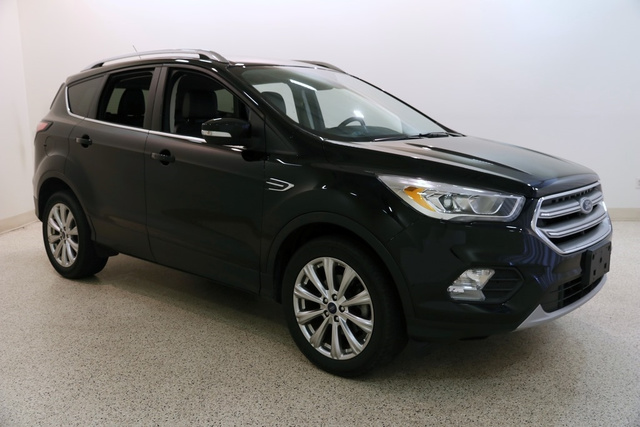 Ford Escape Titanium >> Pre Owned 2017 Ford Escape Titanium